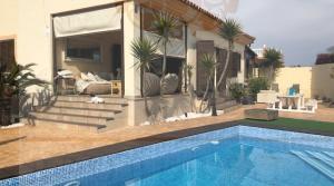 Sea views villa in Torreguadiaro