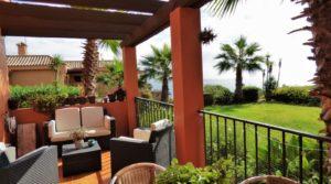 Beautiful apartment in Alcaidesa with sea views
