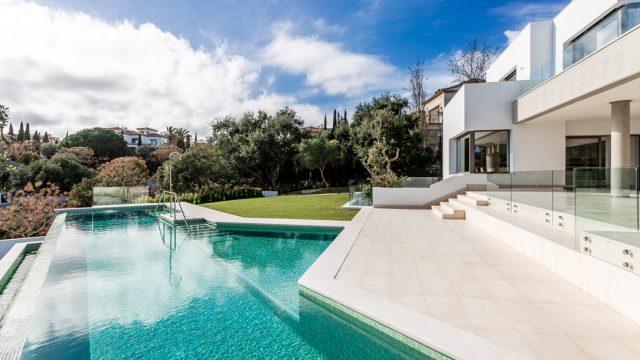 Impressive villa in Sotogrande Alto
